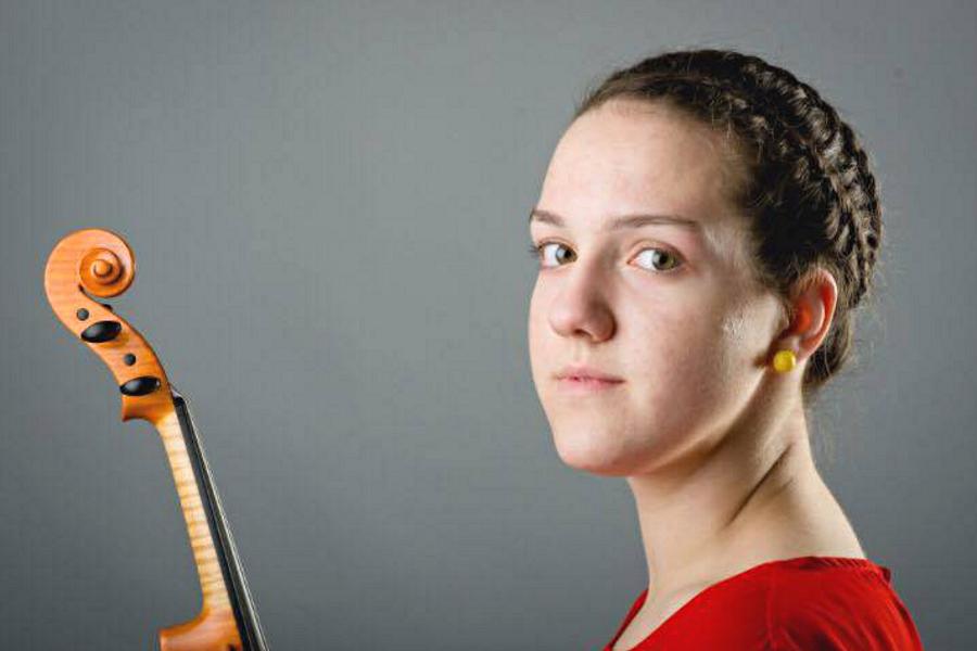 Milda Kraujutaitytė (smuikas)